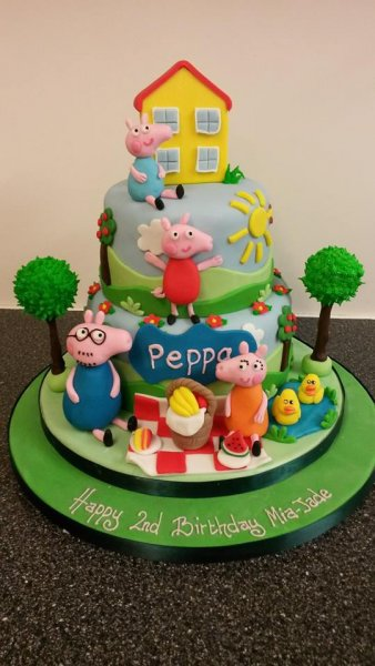 Cake Toppers Redcar Uk : Traditional Cakes - Cake Toppers Redcar