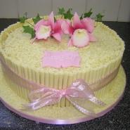 white_choc_roll_cake.jpg
