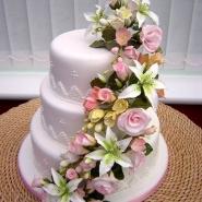 wed_floral_cascade1.jpg