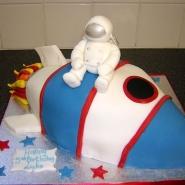 spaceman_rocket_cake_3d.jpg