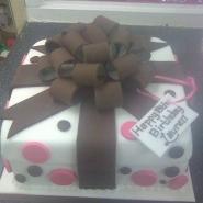 brown_bow_cake.jpg