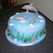 diving_dolphins_cake.jpg