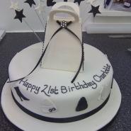 handbag_stood_cake.jpg