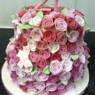 hollies_rose_cake.jpg