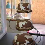 bel_cow_cake.jpg